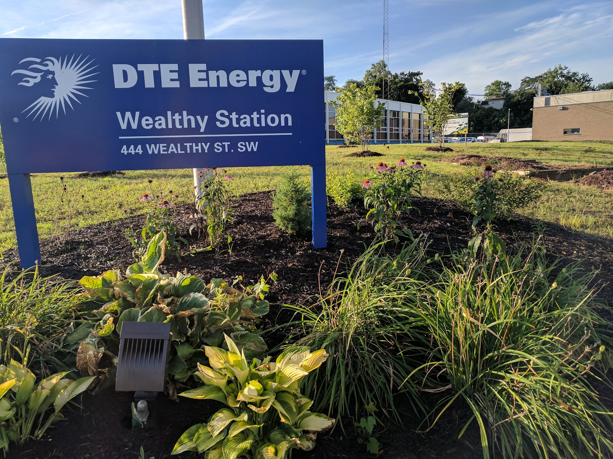 D T E Energy Inc 444 Wealthy St SW, Grand Rapids