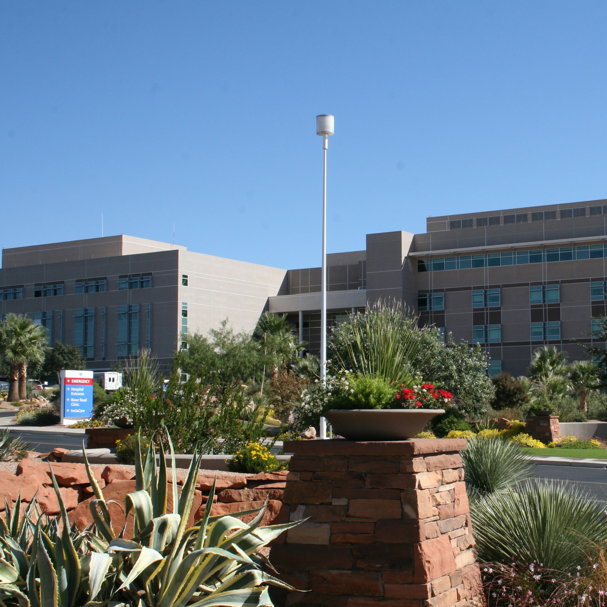 St. George Regional Hospital River Road 1380 E Medical Center Dr, St. George